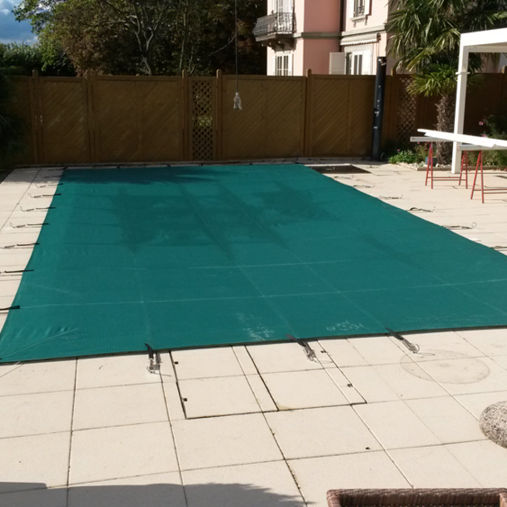 beche-piscine-securite