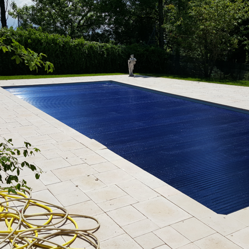 Installation volet automatique piscine perfect pool for Installation piscine