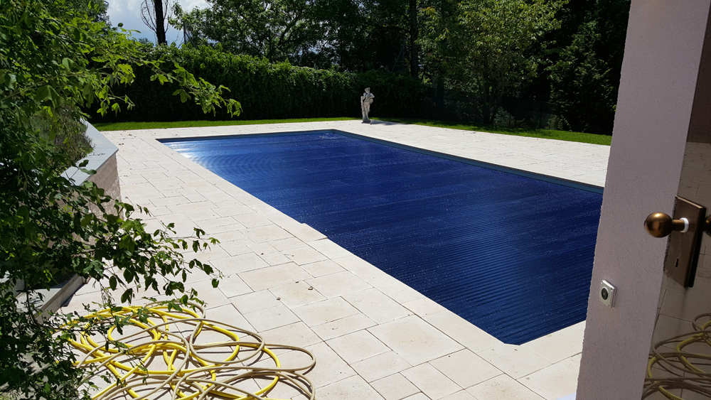 Installation volet automatique piscine perfect pool for Cout installation piscine